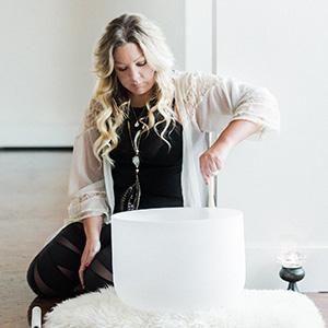 Alison DuRussel yoga-santosha-therapist
