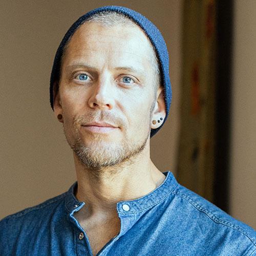 Markus Bauman yoga santosha therapist